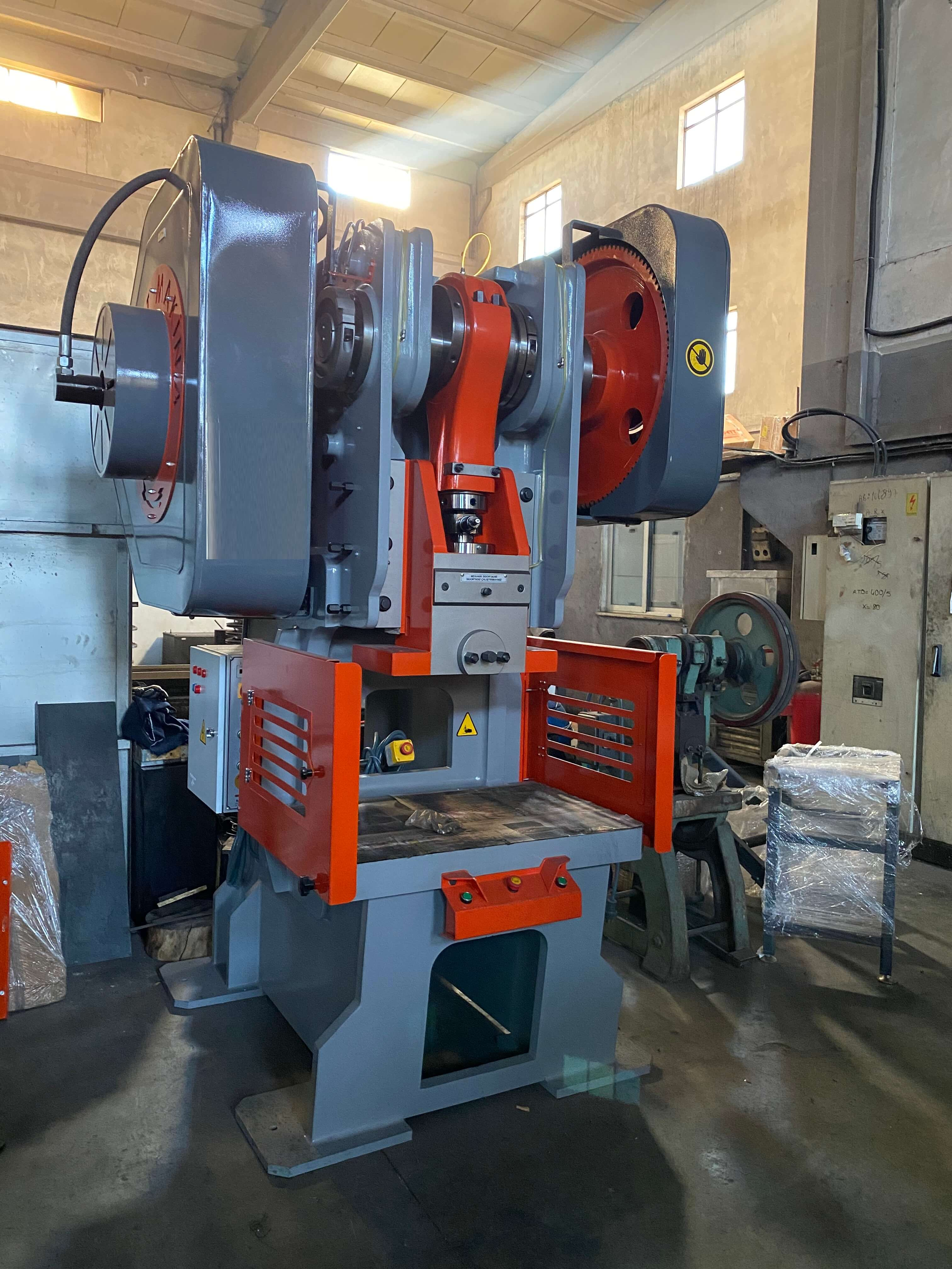 Mechanical Press with Decoiler and Servo Feeder